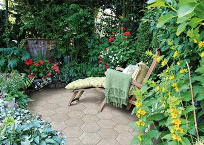 NEWORLEANS garden 3