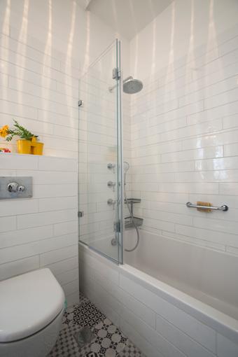 אמבטיון קבוע ודלת בהתאמה אישית | א.א קרמיקה