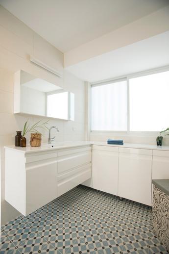 ארון אמבטיה בהתאמה אישית|א.א קרמיקה